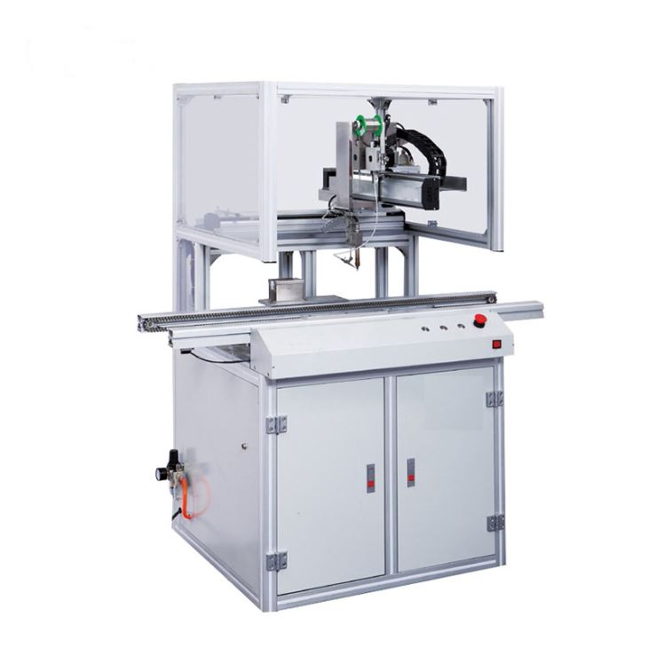 In-line soldering machine